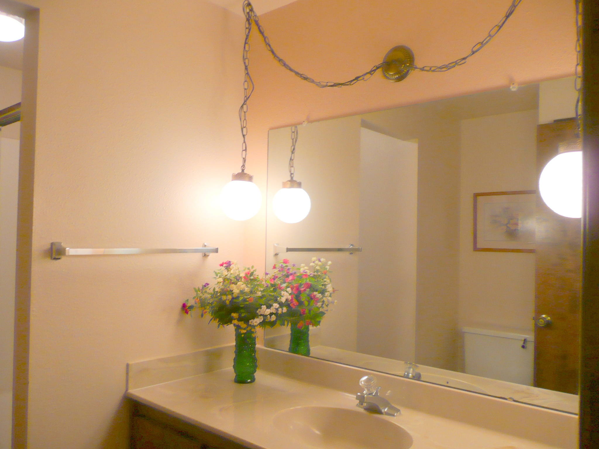 How High Do You Hang Vanity Lights : Updating Bathroom Vanity Lighting Tips for Home Sellers Home Staging : Creative Concepts and ...