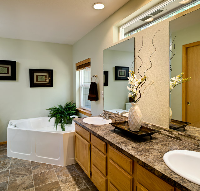 Maximizing your home 39 s potential when selling creative for Staging bathroom ideas