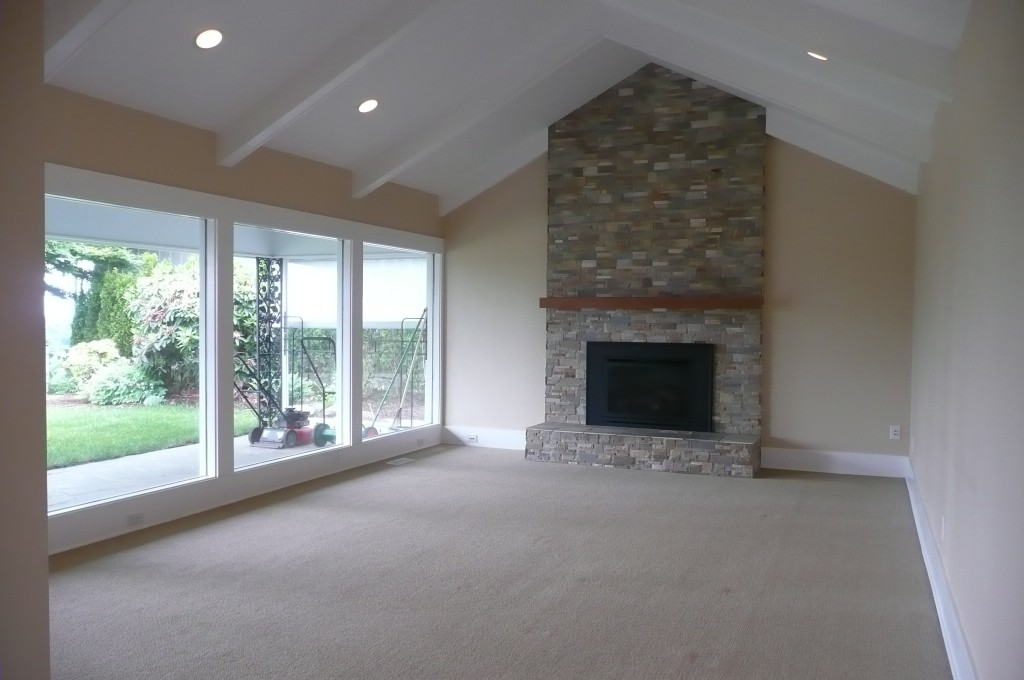 vacant living rooms don't show well when selling